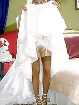 9 pictures - Gall of Bride In White Stockings